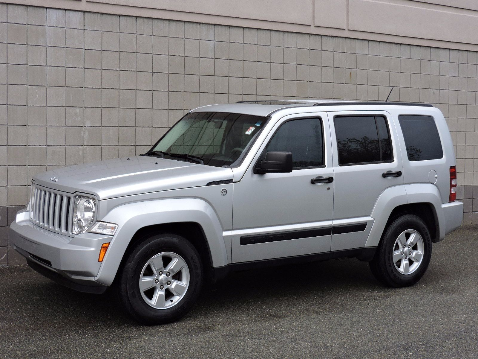 jeep liberty 2015 price 2018 2019 new car reviews by language kompis. Black Bedroom Furniture Sets. Home Design Ideas