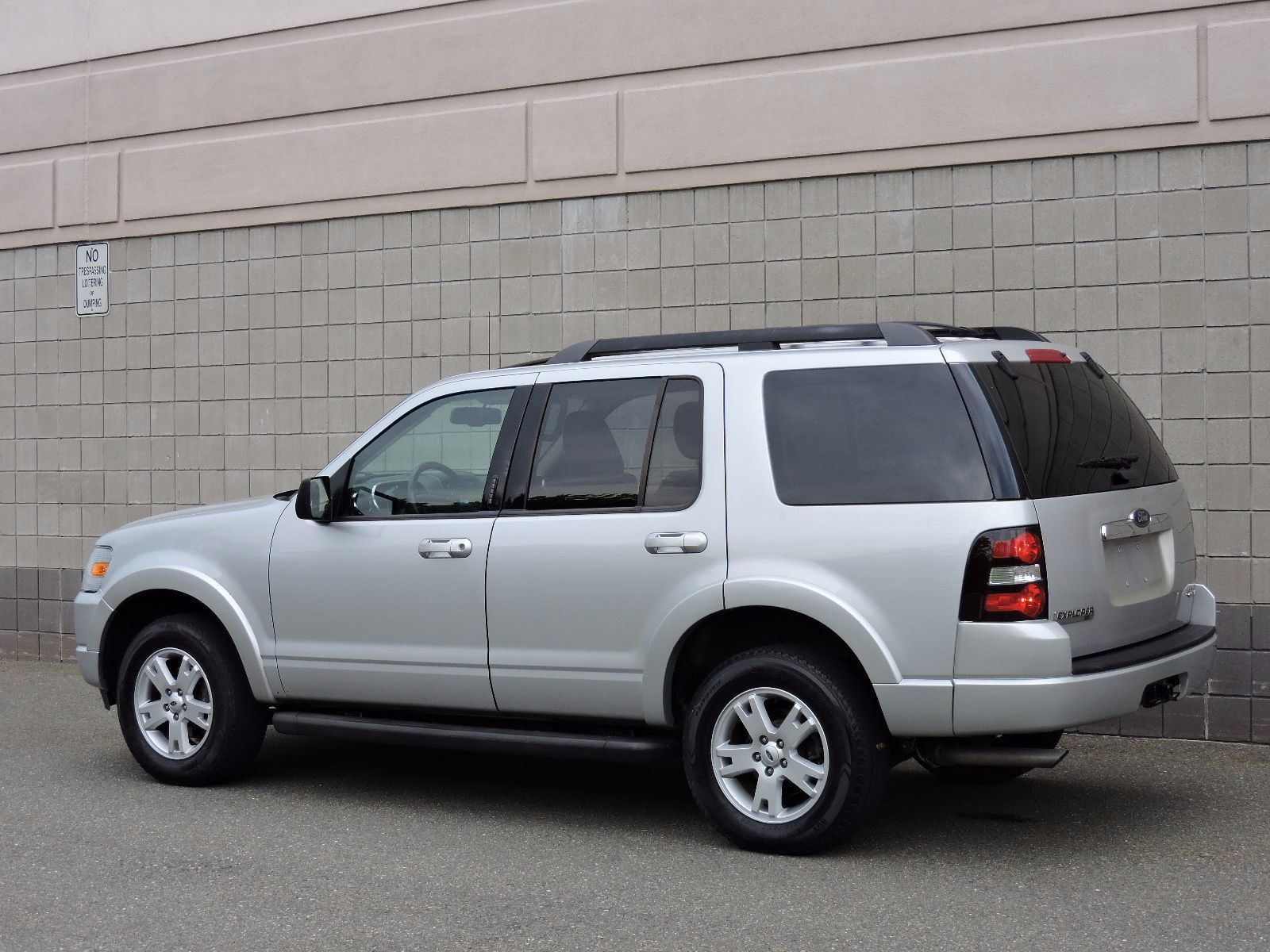 2011 ford explorer reviews ratings prices consumer reports autos post. Black Bedroom Furniture Sets. Home Design Ideas