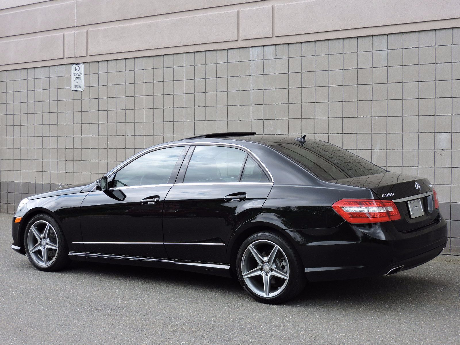 used 2010 mercedes benz e class e350 sport at auto house. Black Bedroom Furniture Sets. Home Design Ideas