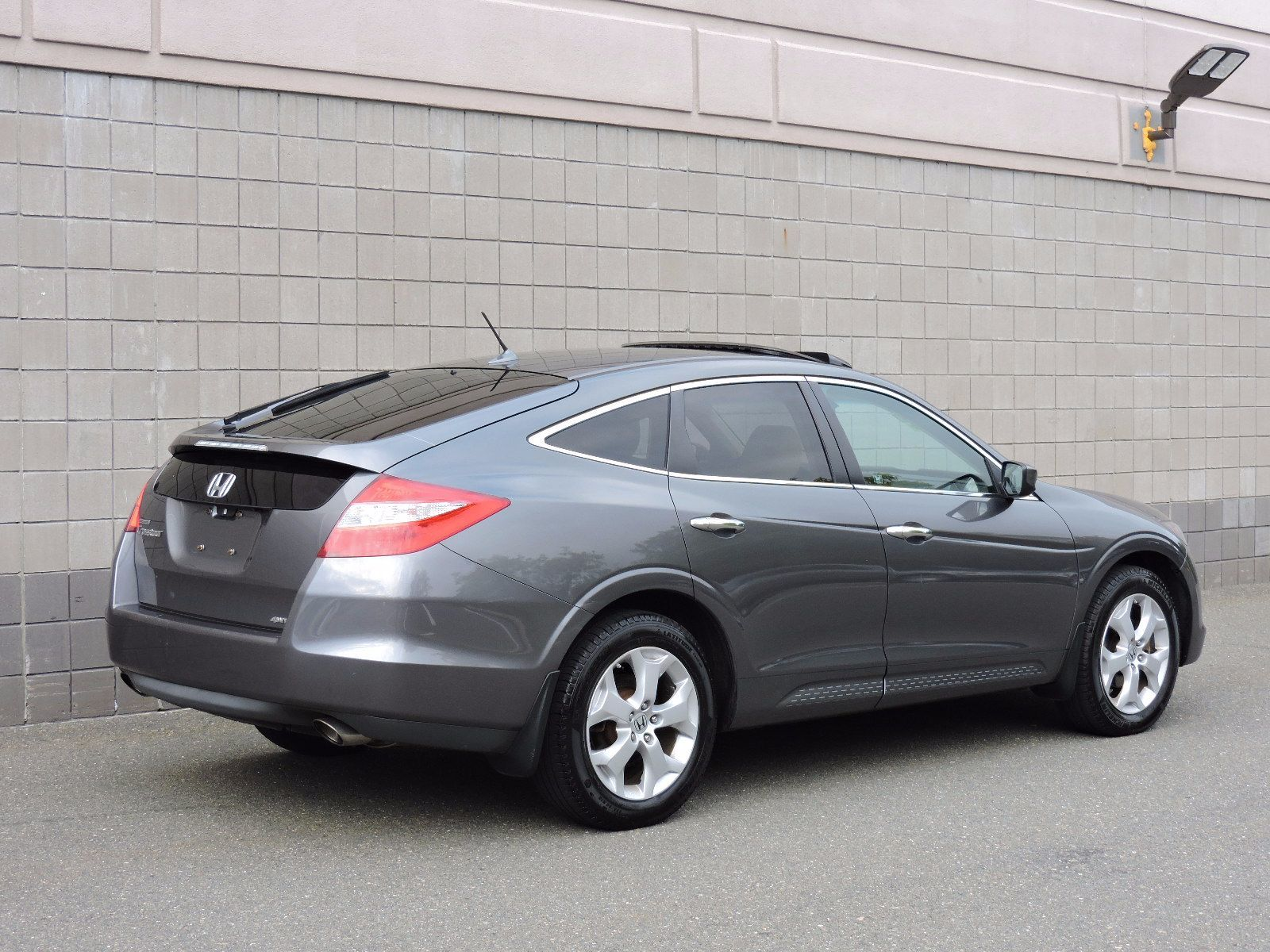 used 2010 honda accord crosstour ex l at auto house usa saugus. Black Bedroom Furniture Sets. Home Design Ideas