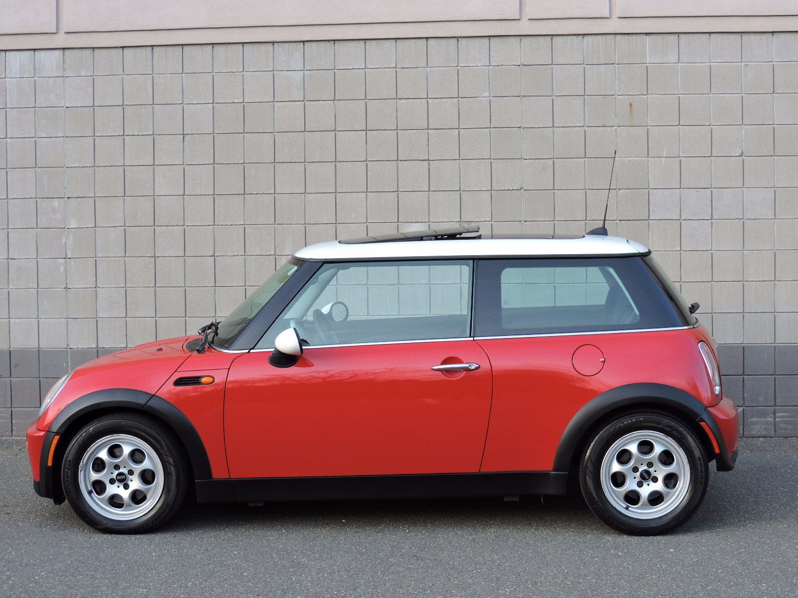 used 2005 mini cooper hardtop 2 0t prestige at auto house usa saugus. Black Bedroom Furniture Sets. Home Design Ideas