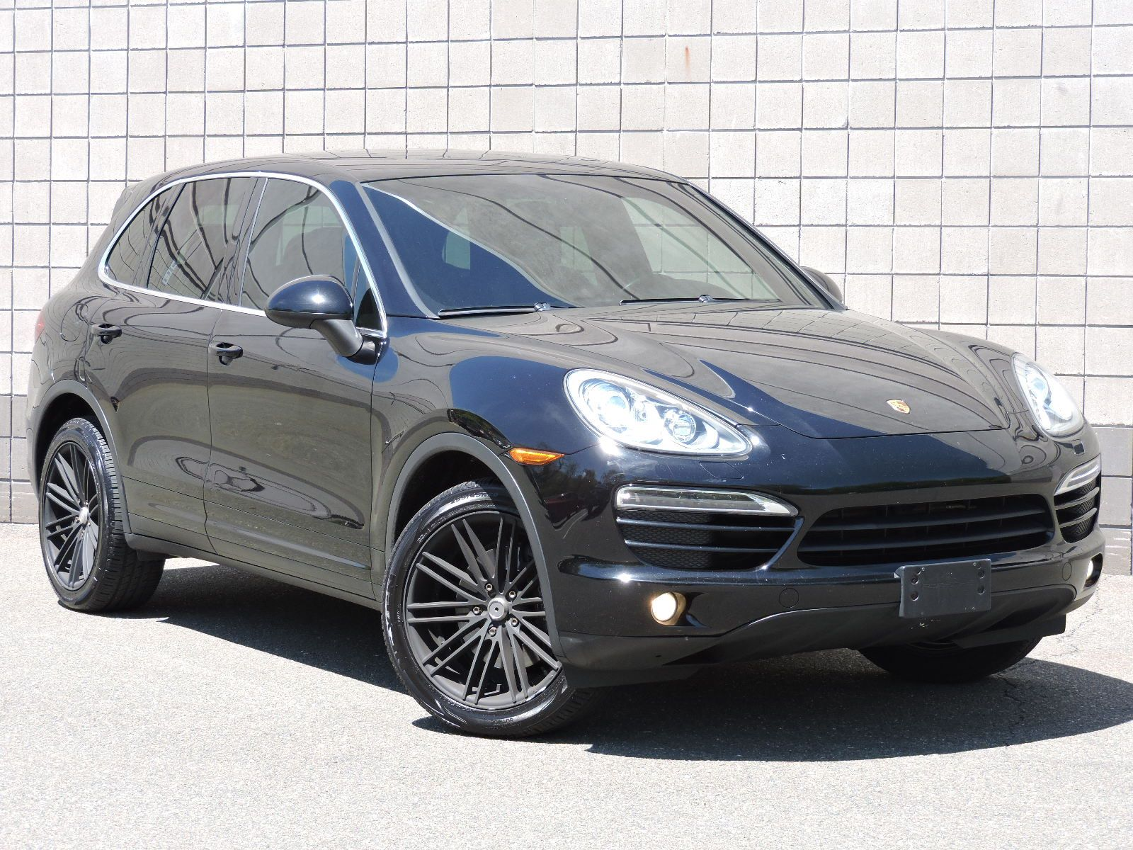 2011 Porsche Cayenne - All Wheel Drive - Navigation