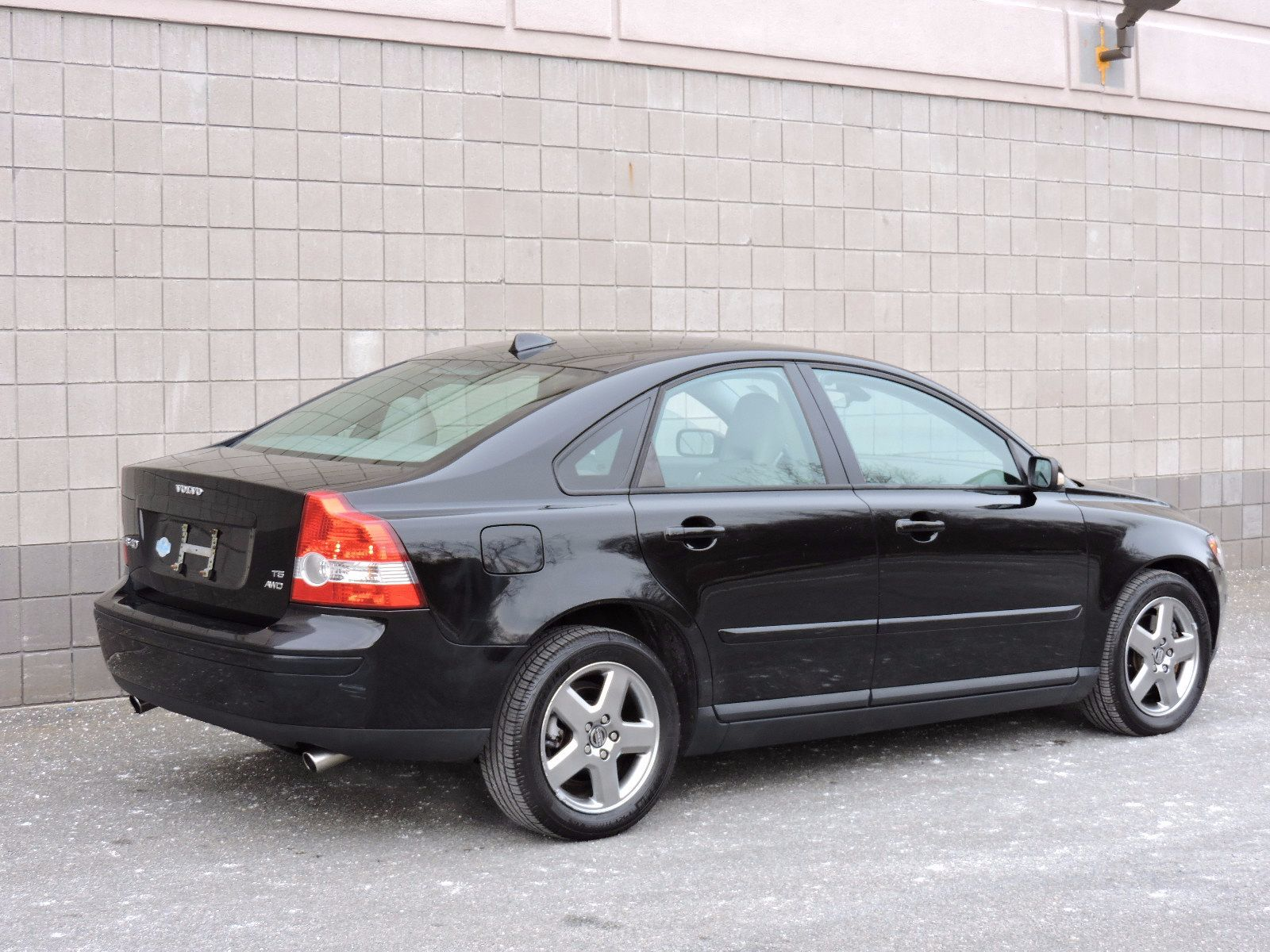 used 2006 volvo s40 2 5l turbo at auto house usa saugus. Black Bedroom Furniture Sets. Home Design Ideas