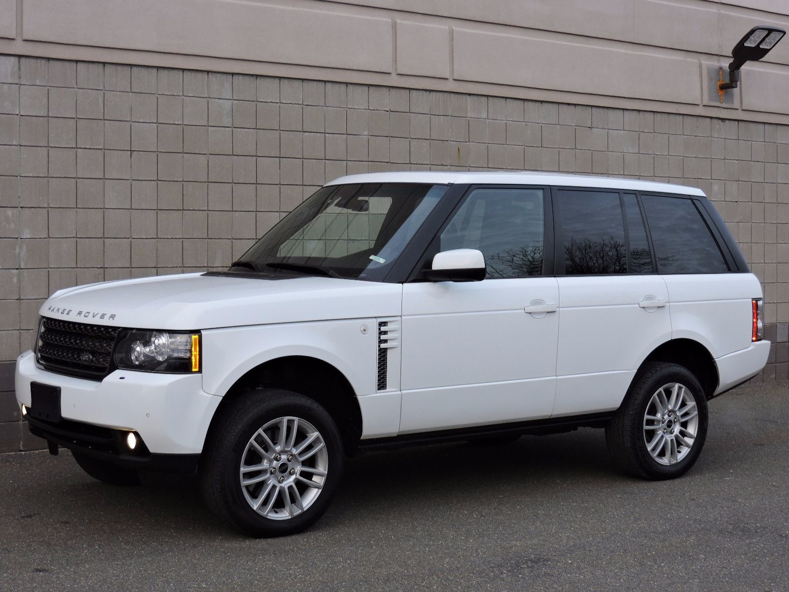 used 2012 land rover range rover hse at auto house usa saugus. Black Bedroom Furniture Sets. Home Design Ideas