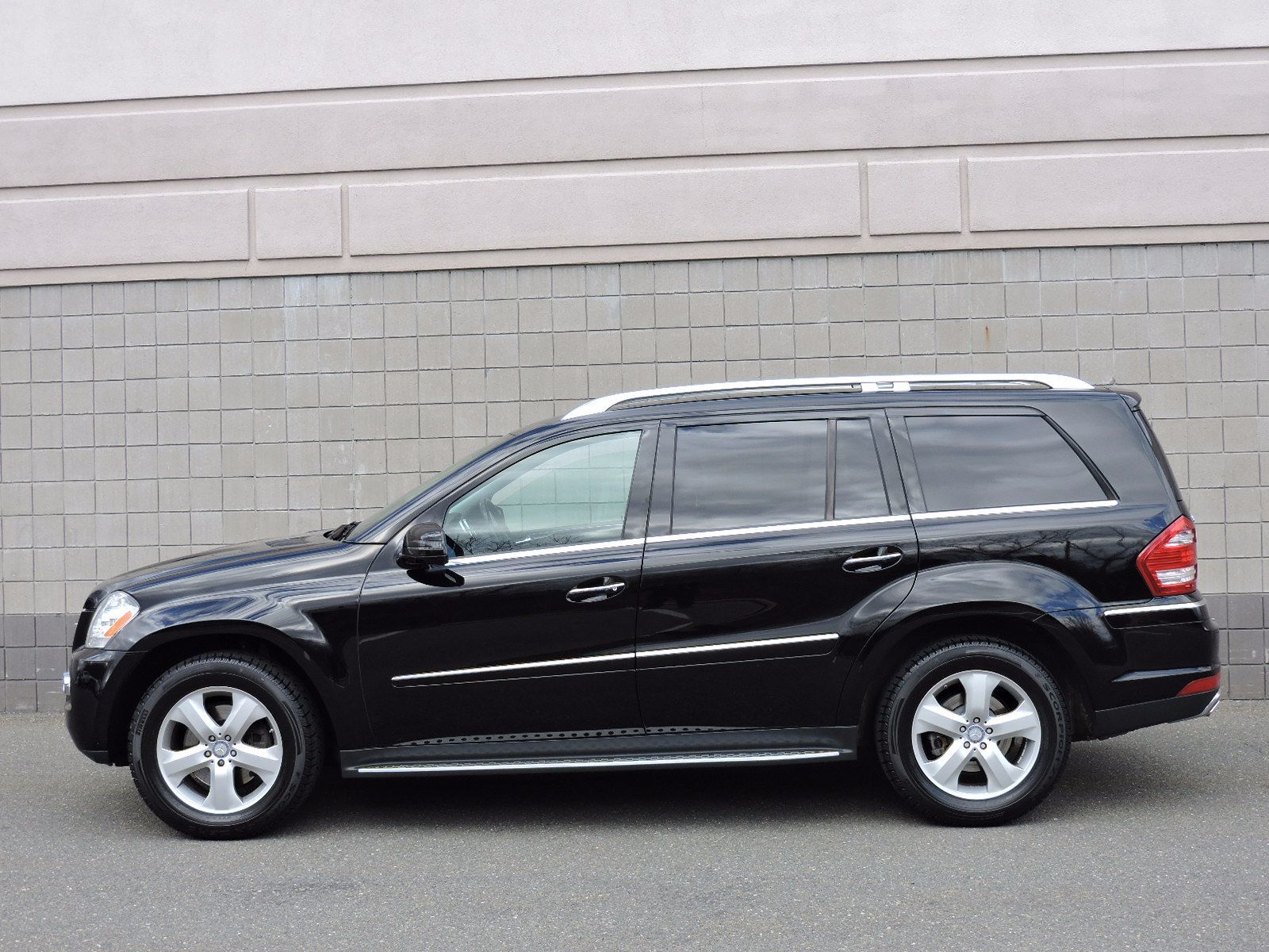 Used 2011 mercedes benz gl450 at auto house usa saugus for Mercedes benz gl 2011