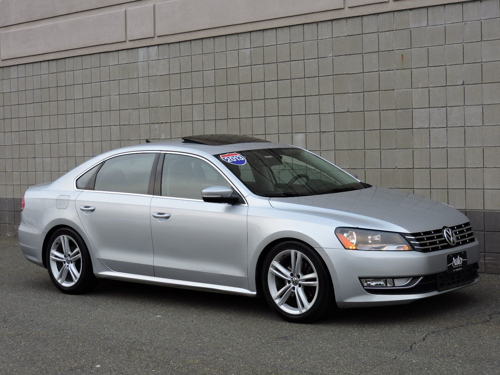 used 2013 volkswagen passat se wsunroof nav at auto house usa saugus. Black Bedroom Furniture Sets. Home Design Ideas