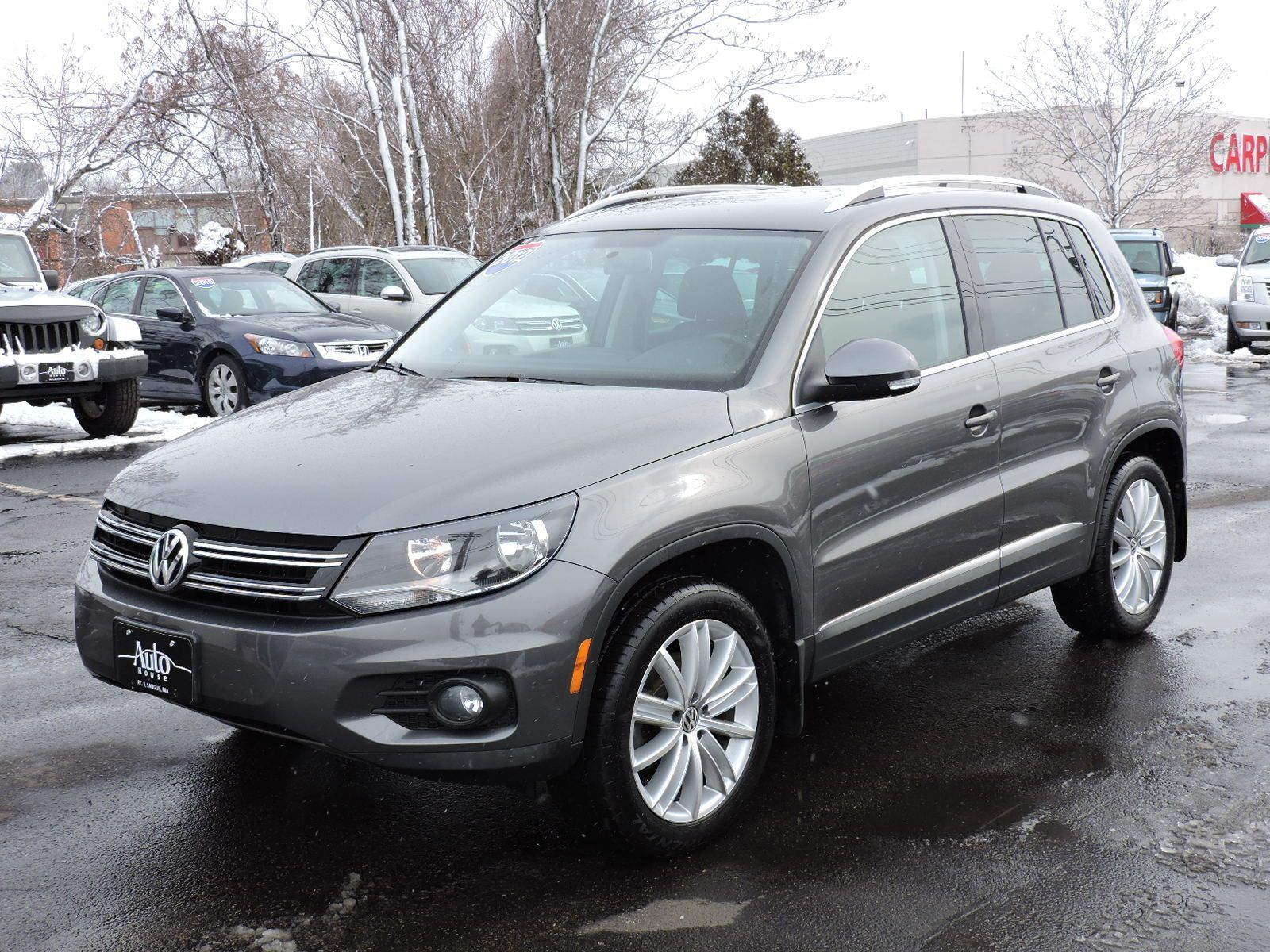 used 2012 volkswagen tiguan se wsunroof nav at auto house usa saugus. Black Bedroom Furniture Sets. Home Design Ideas