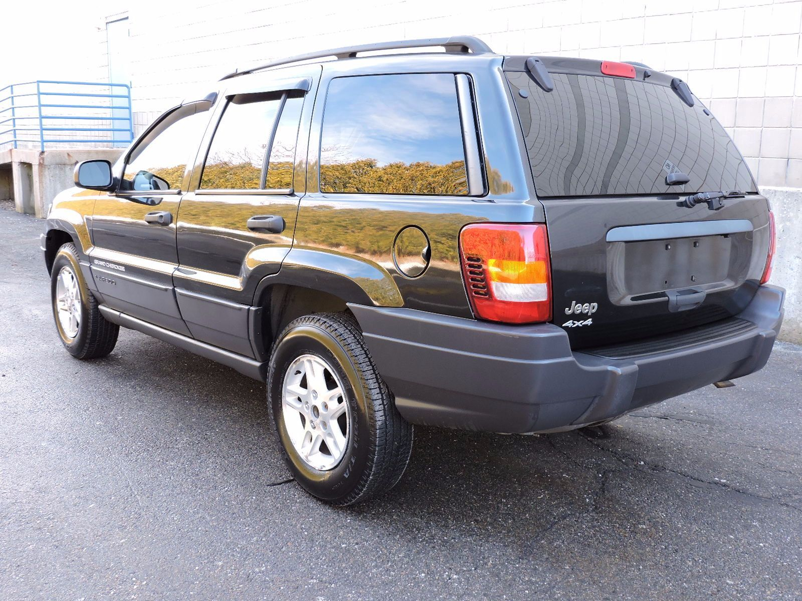 used 2004 jeep grand cherokee laredo at auto house usa saugus. Black Bedroom Furniture Sets. Home Design Ideas