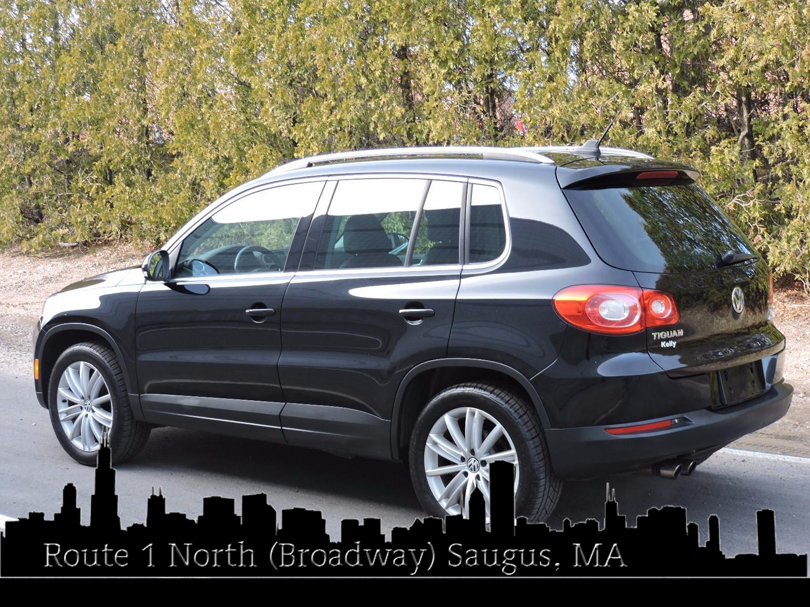 used 2011 volkswagen tiguan sel 4motion at auto house usa saugus. Black Bedroom Furniture Sets. Home Design Ideas