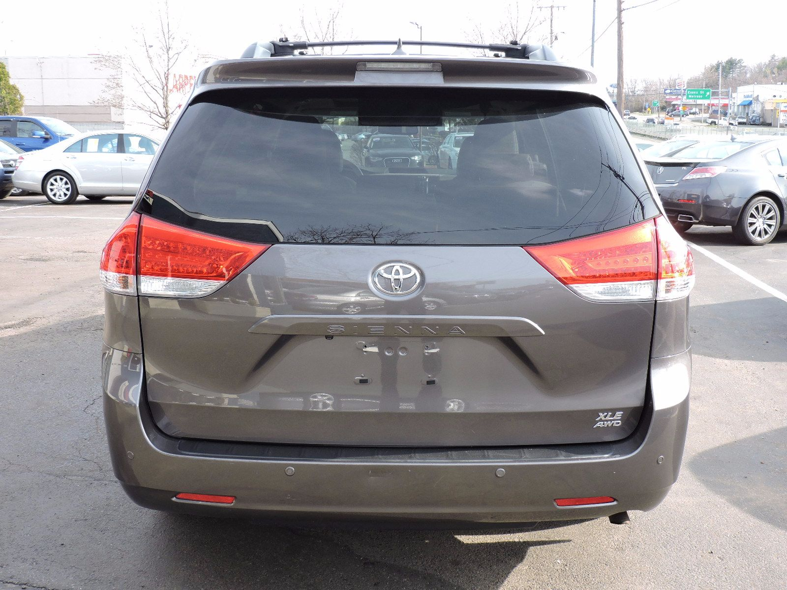 2012 Toyota Sienna XLE - Limited - All Wheel Drive - Navigation - DVD
