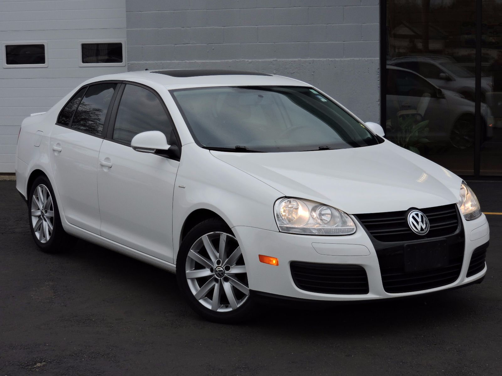 used 2010 volkswagen jetta sedan wolfsburg at auto house usa saugus. Black Bedroom Furniture Sets. Home Design Ideas
