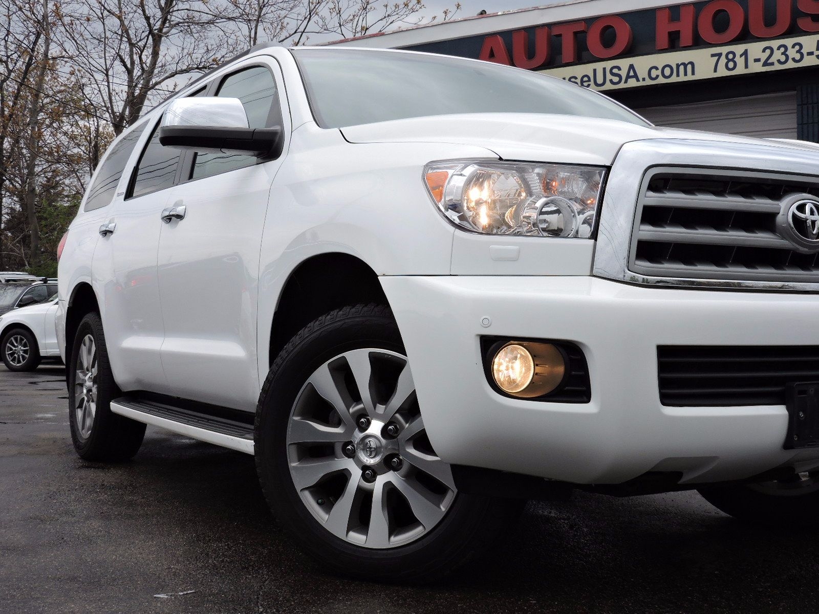 2011 Toyota Sequoia - All Wheel Drive - Limited - Navigation - DVD Video