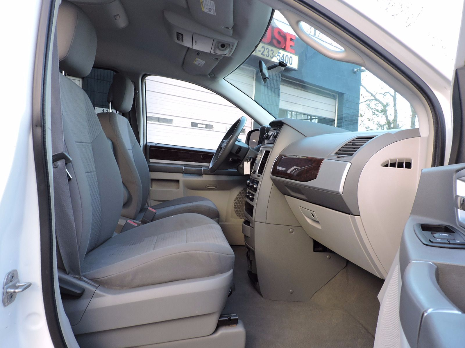 2010 Chrysler Town & Country - Touring Edition