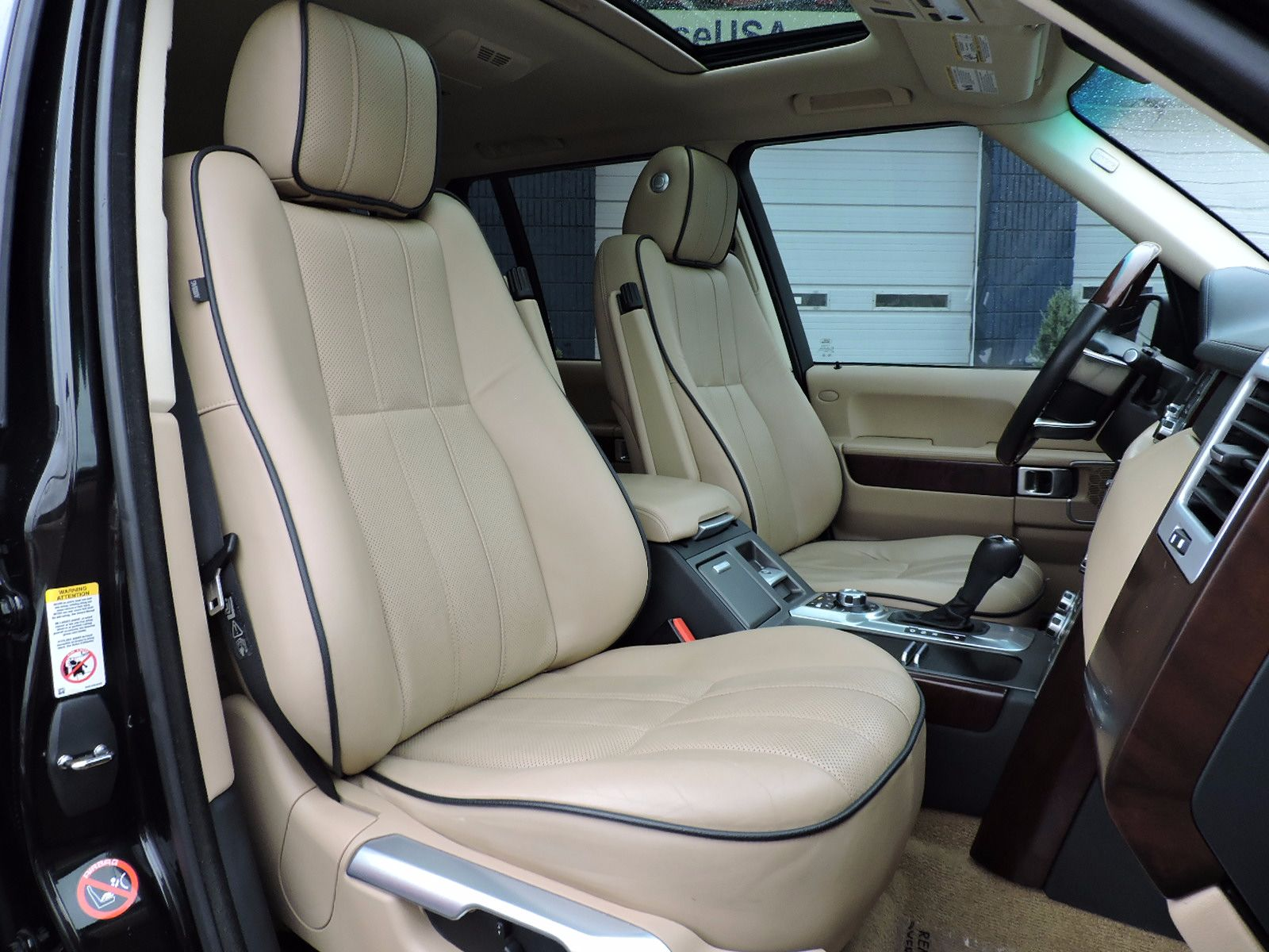 2010 Land Rover Range Rover HSE - All Wheel Drive - Luxury