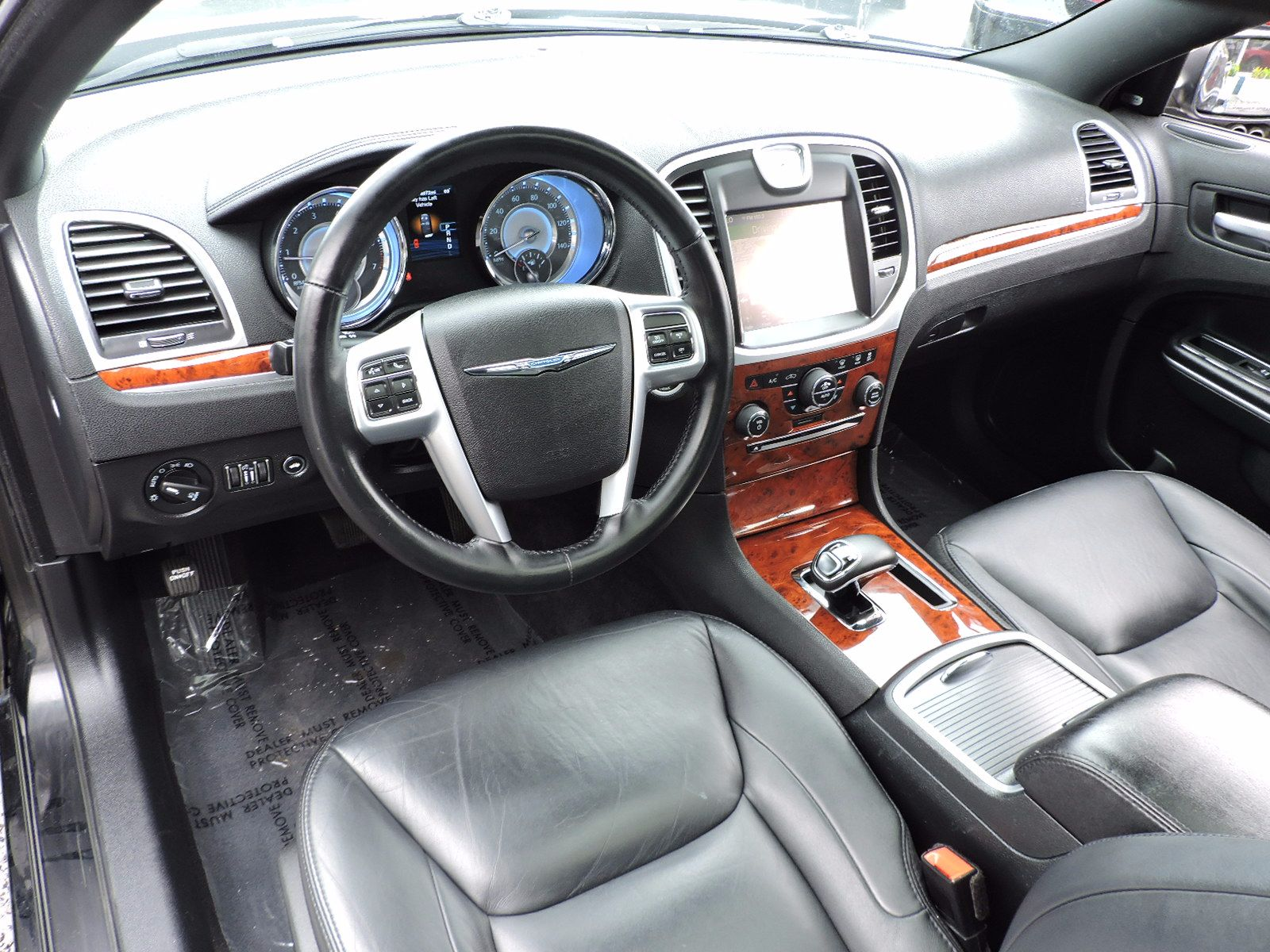 2012 Chrysler 300 - Limited Edition - All Wheel Drive - Navigation