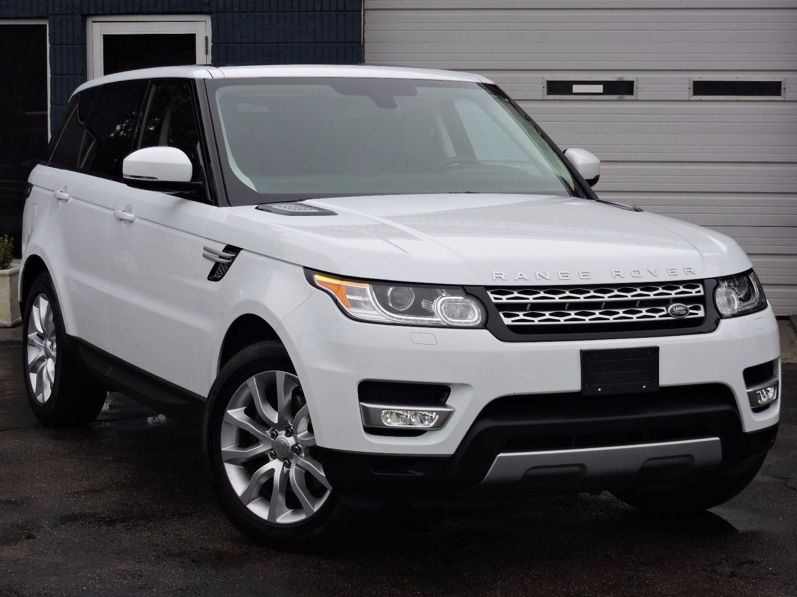 used 2014 land rover range rover sport hse at auto house. Black Bedroom Furniture Sets. Home Design Ideas