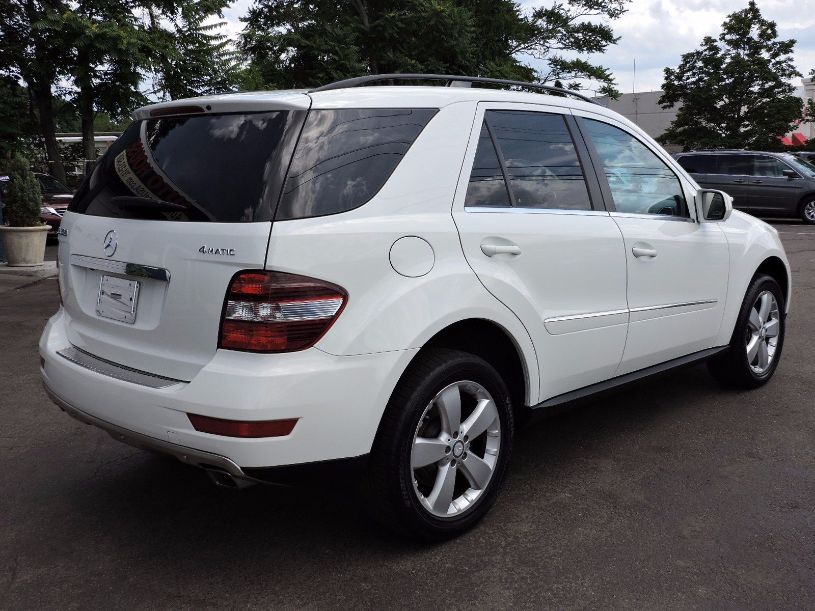 used 2010 mercedes benz ml 350 at auto house usa saugus. Black Bedroom Furniture Sets. Home Design Ideas