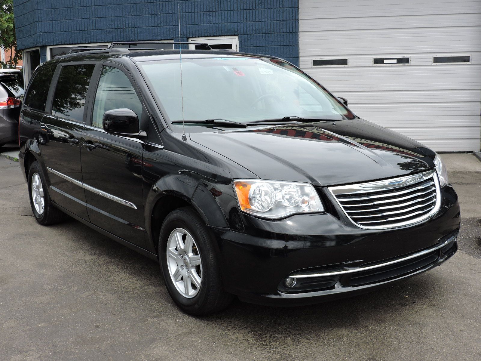 service manual replacement 2012 chrysler town country. Black Bedroom Furniture Sets. Home Design Ideas