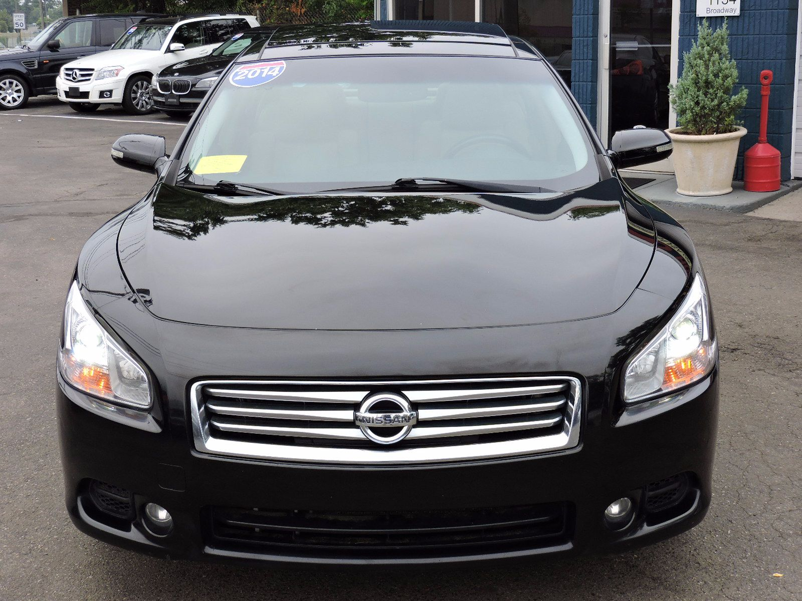 used 2014 nissan maxima 3 5 sv wpremium pkg at auto house usa saugus. Black Bedroom Furniture Sets. Home Design Ideas