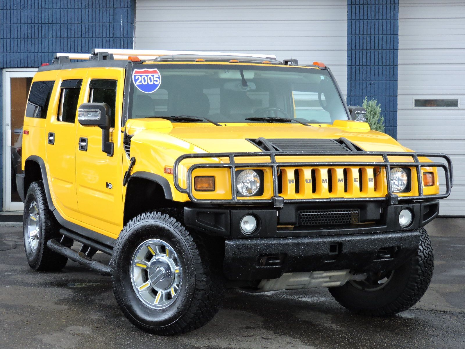 2005 HUMMER H2 - All Wheel Drive - Navigation - DVD Entertainment