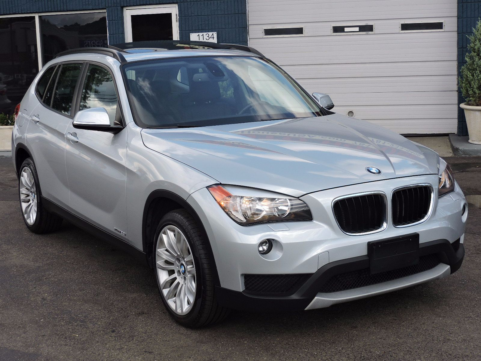 2013 BMW X1 xDrive 28i - All Wheel Drive - Navigation