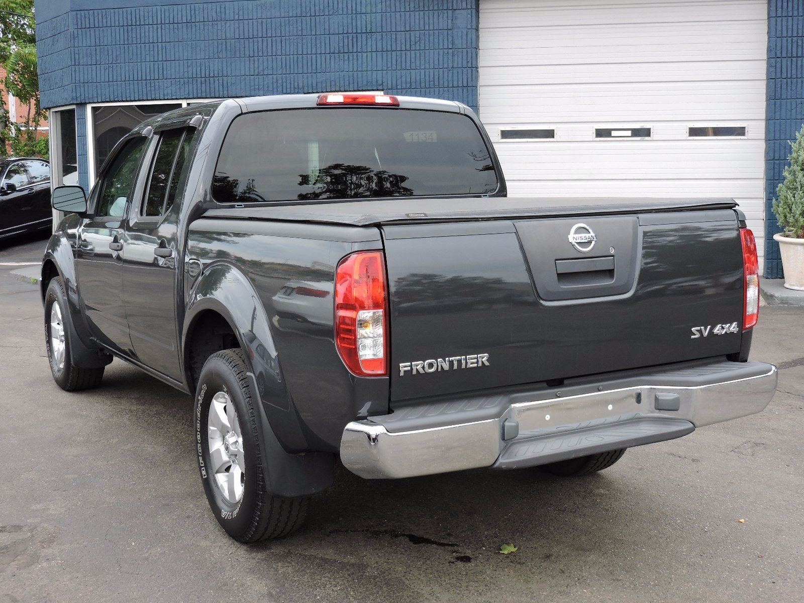 veh smith center cab ks sv sb vehicle frontier nissan crew in options ft