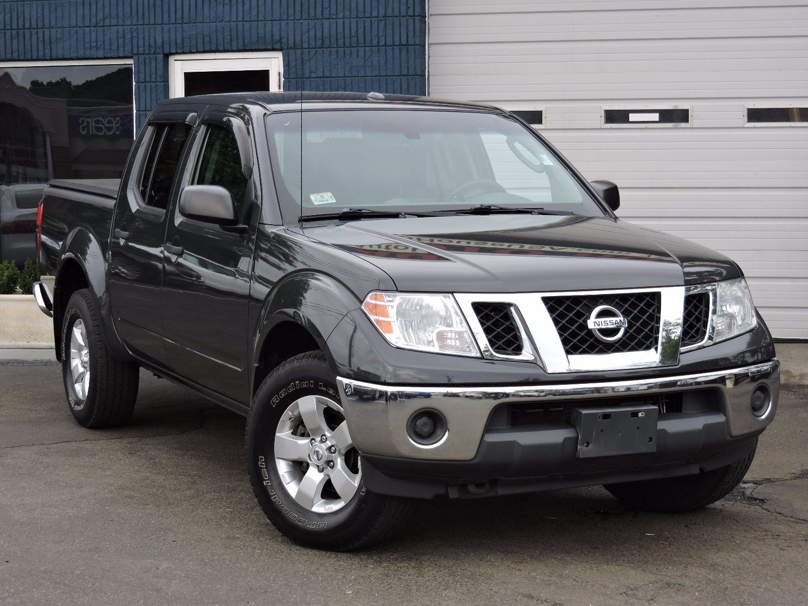 used 2011 nissan frontier sv at auto house usa saugus. Black Bedroom Furniture Sets. Home Design Ideas