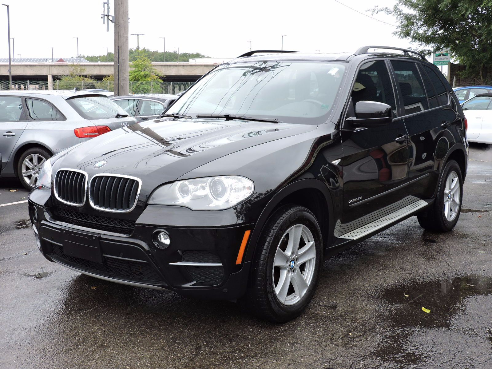 2012 BMW X5 xDrive 35i Premium - All Wheel Drive - Navigation