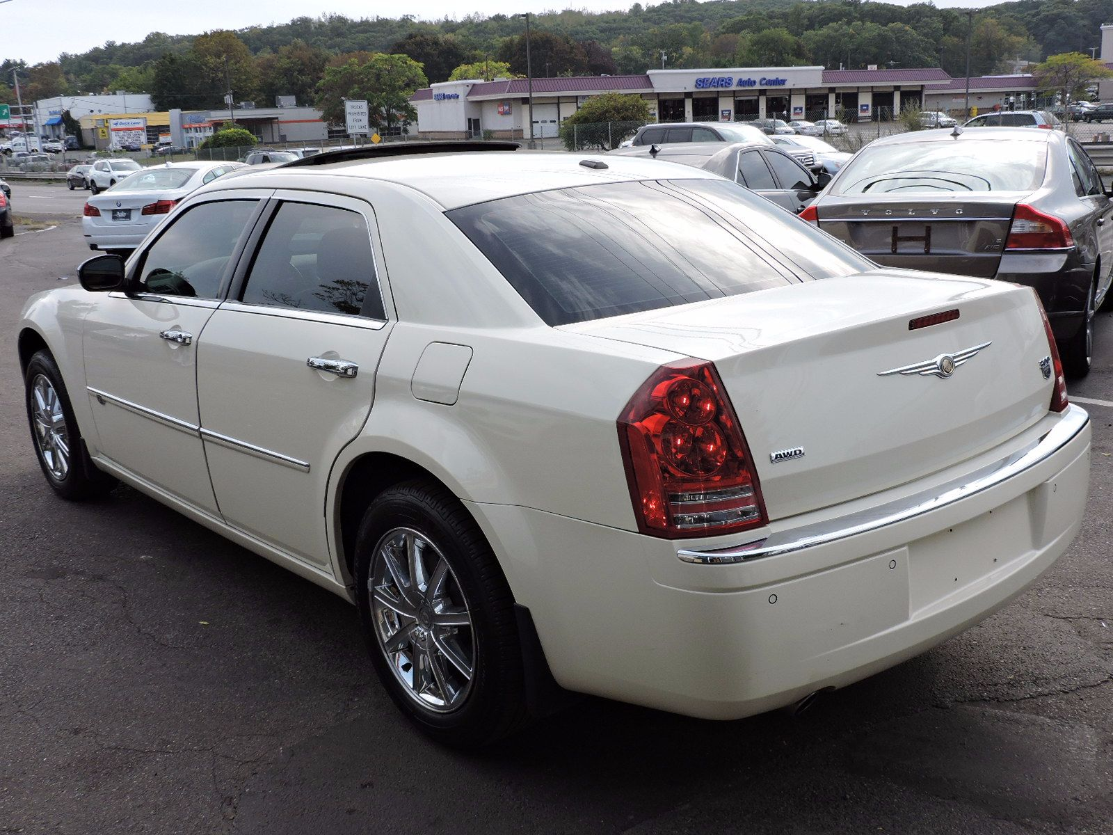 2010 Chrysler 300 - Hemi - All Wheel Drive - Navigation