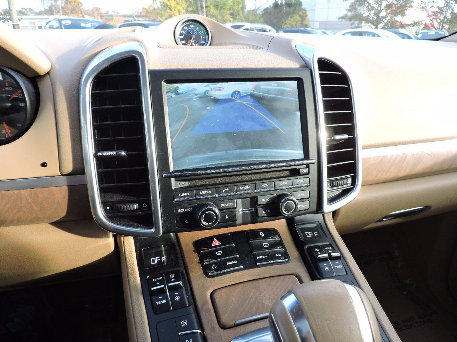2012 Porsche Cayenne - All Wheel Drive - Navigation