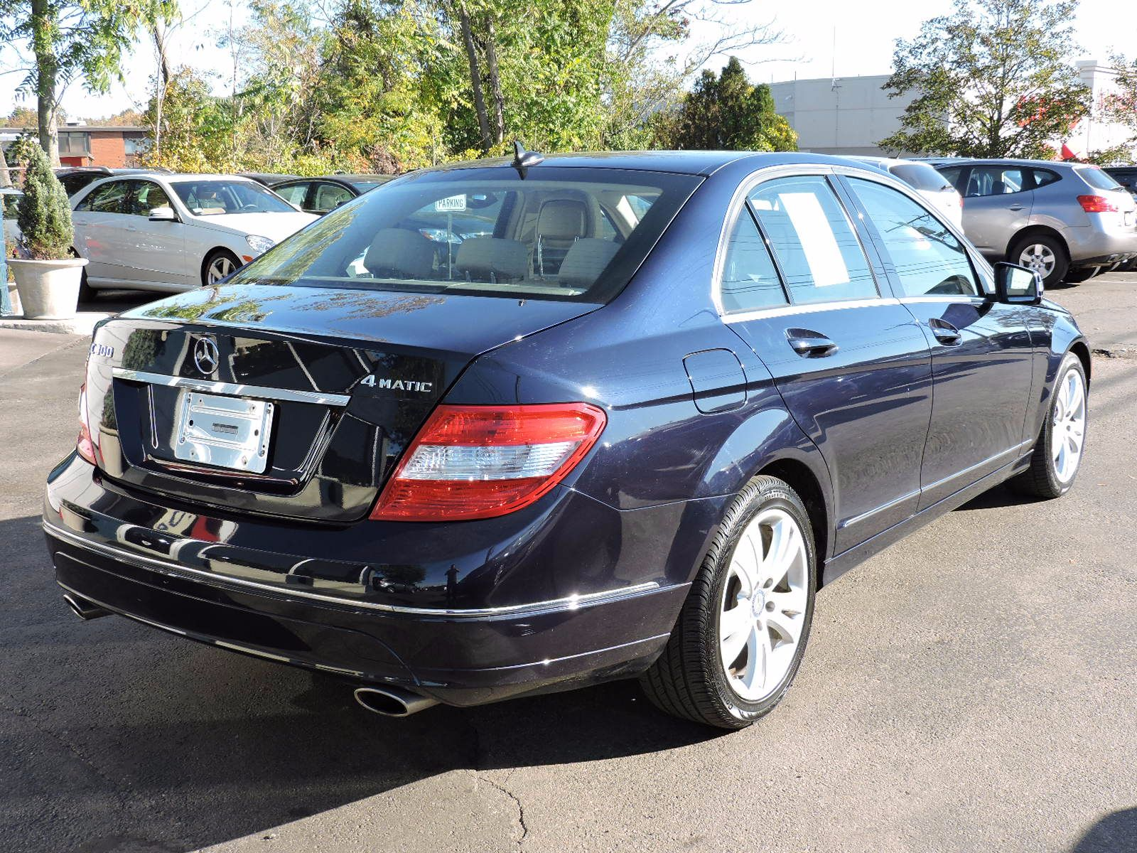 2011 Mercedes-Benz C 300 Luxury - 4Matic - All Wheel Drive - Navigation