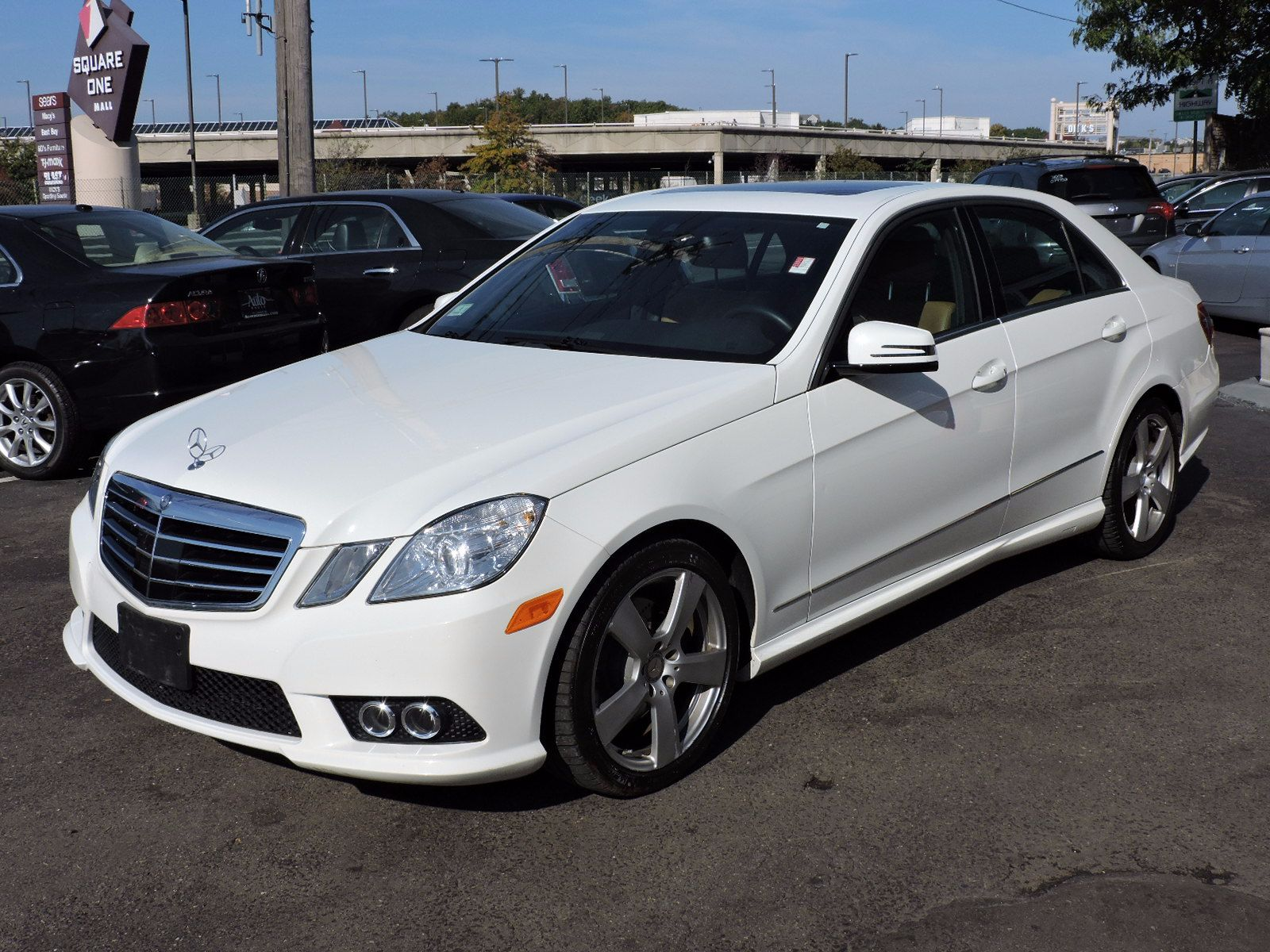 2010 Mercedes-Benz E 350 - Sport - 4Matic - All Wheel Drive - Navigation