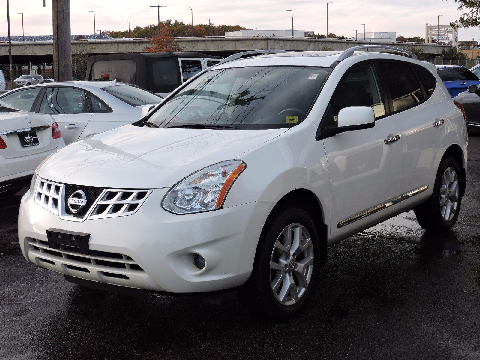 used 2011 nissan rogue sv at auto house usa saugus. Black Bedroom Furniture Sets. Home Design Ideas