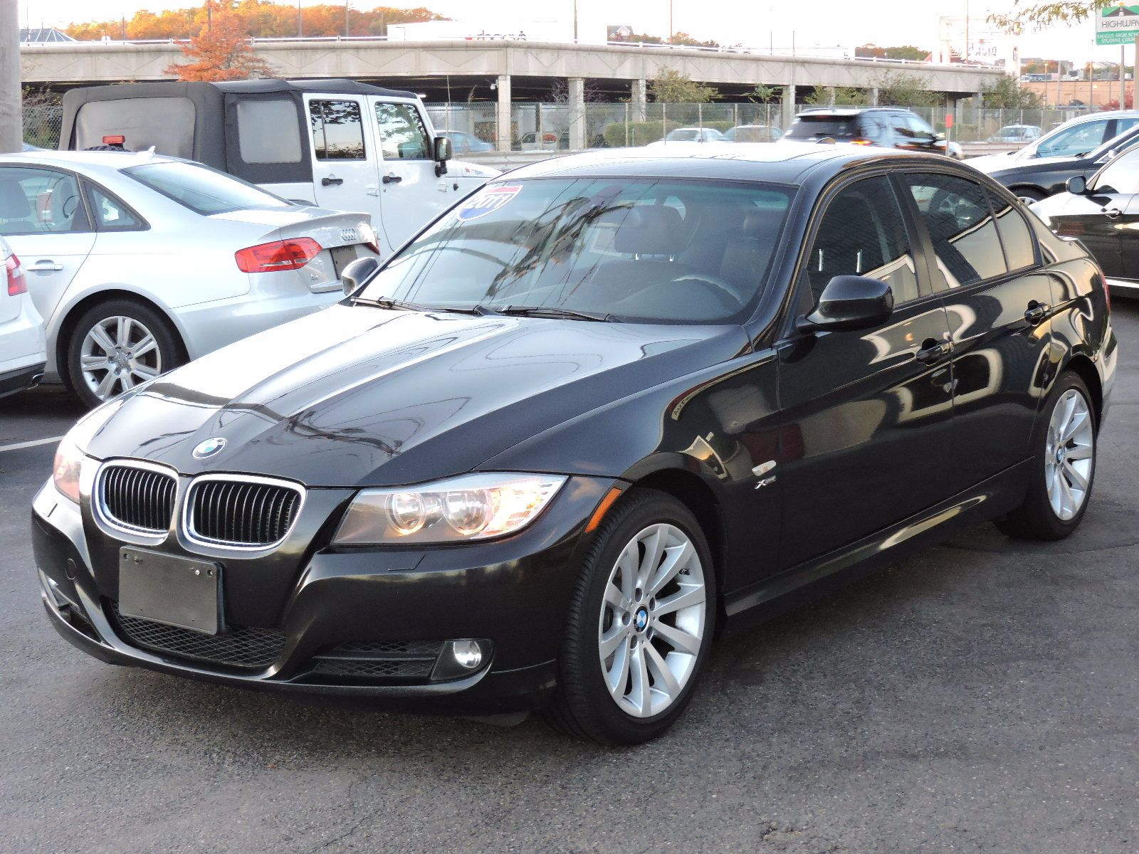 2011 BMW 328i xDrive - All Wheel Drive - Navigation