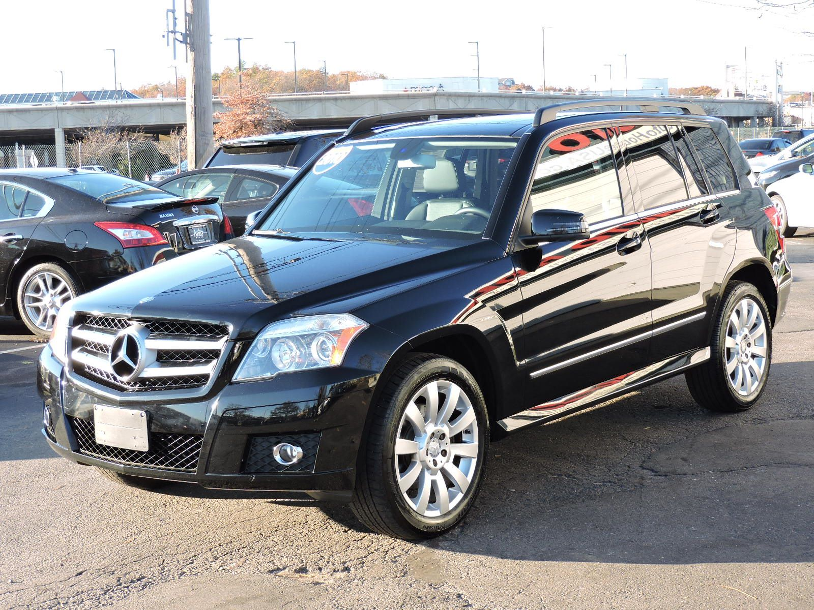 used 2010 mercedes benz glk 350 4matic techpwr tail gate