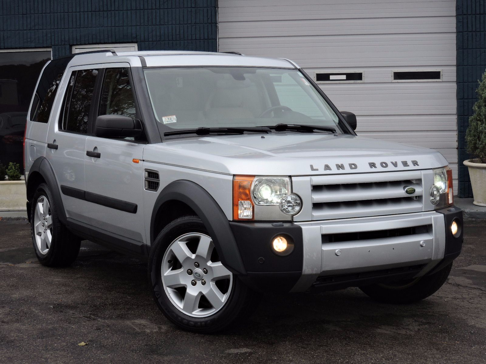 used 2006 land rover lr3 hse at auto house usa saugus. Black Bedroom Furniture Sets. Home Design Ideas