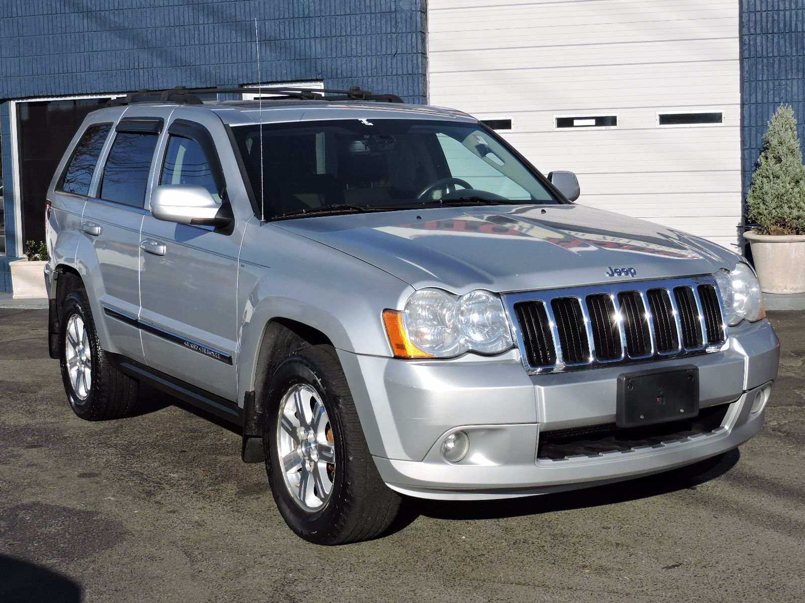 2008 Jeep Grand Cherokee Limited - Hemi - All Wheel Drive - Navigation