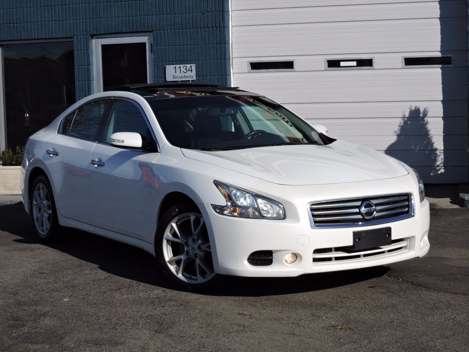 used 2012 nissan maxima 3 5 sv wpremium pkg at auto house usa saugus. Black Bedroom Furniture Sets. Home Design Ideas