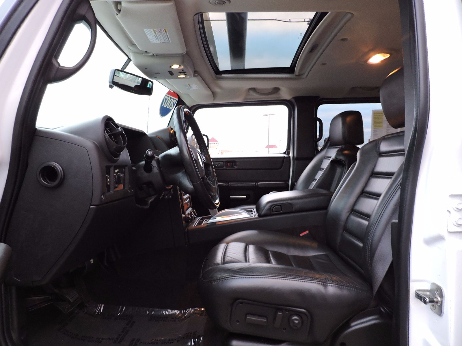 2007 HUMMER H2 SUT - All Wheel Drive - Navigation - DVD Entertainment System