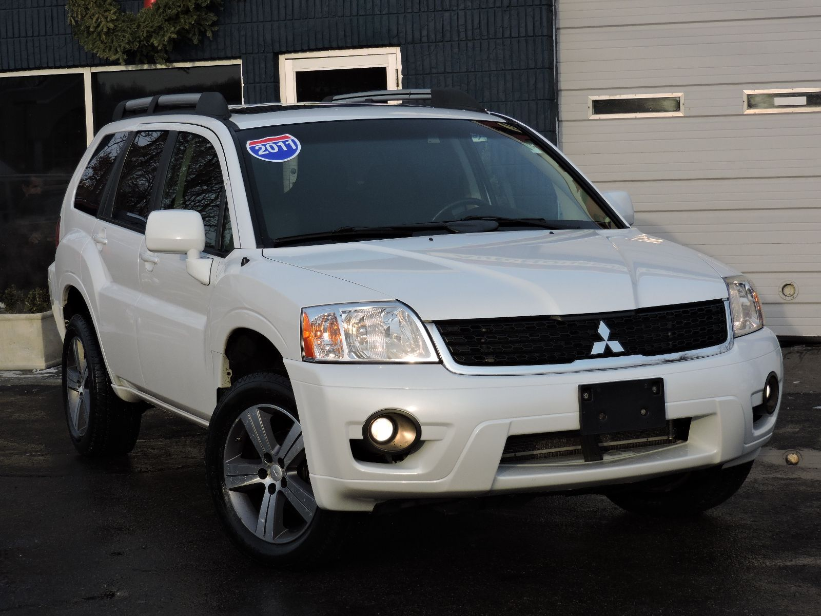 used 2011 mitsubishi endeavor se all wheel drive at auto. Black Bedroom Furniture Sets. Home Design Ideas