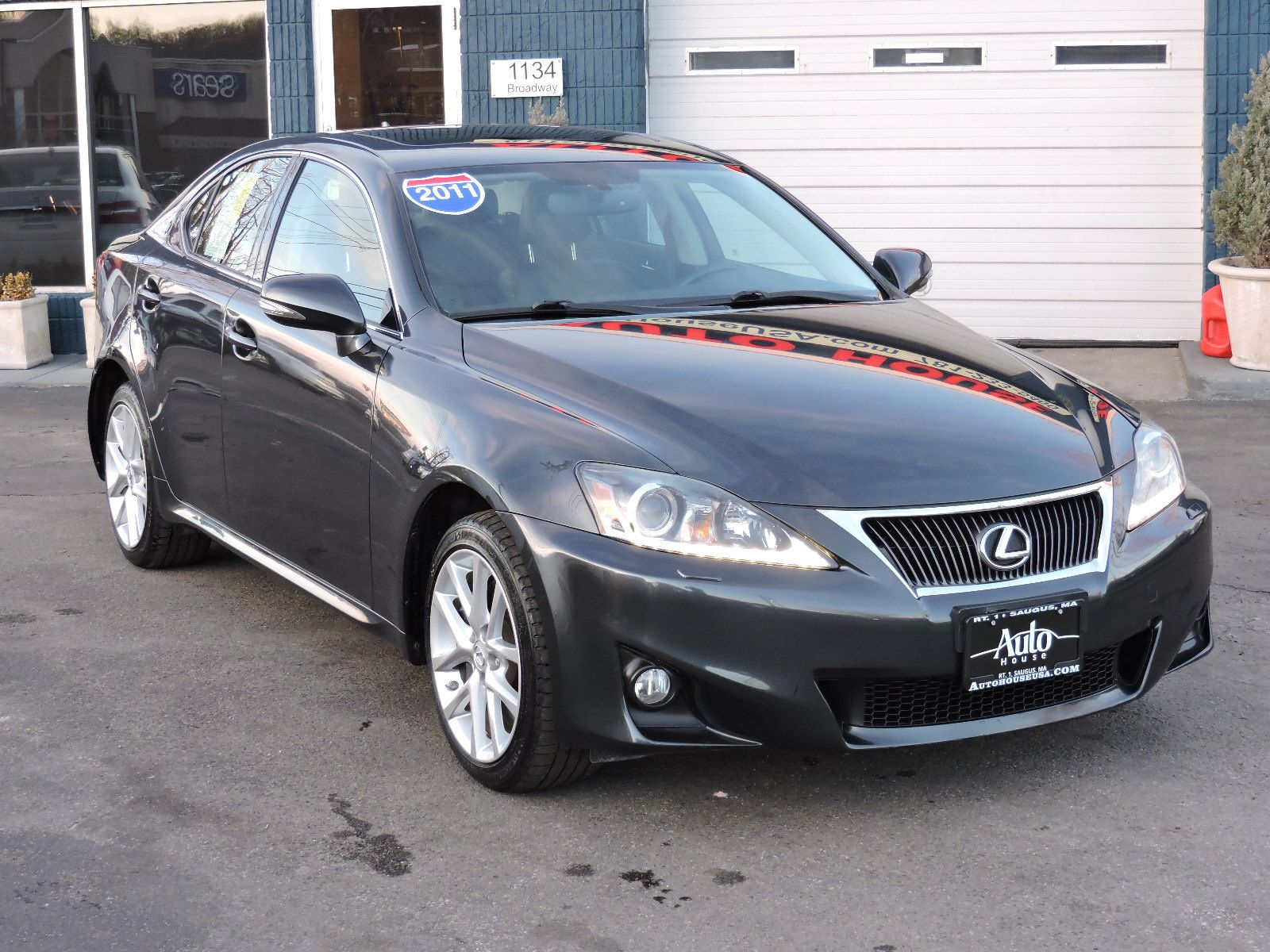 http://autohouseusa.com/uimages/vehicle/3947895/full/2011-Lexus-IS-350-JTHCE5C2XB5000147-1751.jpeg