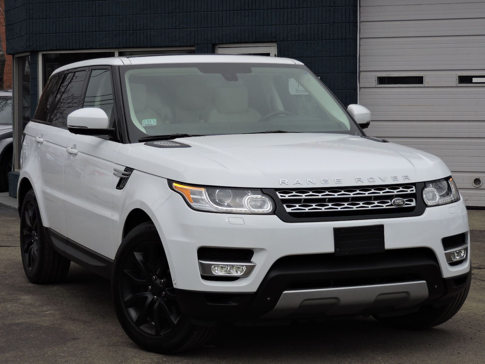 used 2014 land rover range rover sport hse at auto house usa saugus. Black Bedroom Furniture Sets. Home Design Ideas